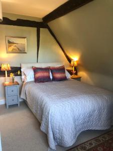 A bed or beds in a room at Oakhill