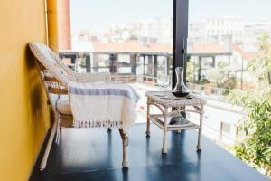 Uma área de estar em 54 Santa Catarina Apartments