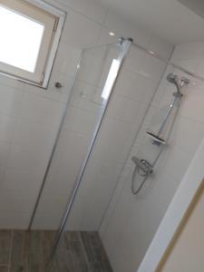 A bathroom at Prins Appartementen