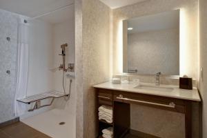A bathroom at Homewood Suites by Hilton Philadelphia-City Avenue