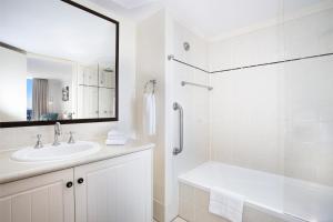 A bathroom at Mantra Esplanade