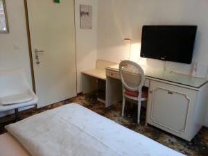 TV o dispositivi per l'intrattenimento presso Hotel Colibrì
