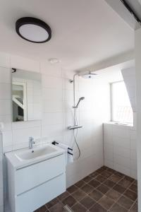 A bathroom at Hotel Markt23