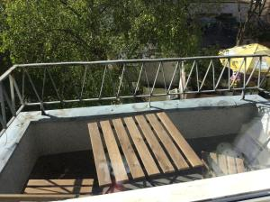 Ein Balkon oder eine Terrasse in der Unterkunft Apartment Belgisches Viertel