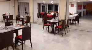 Restaurant ou autre lieu de restauration dans l'établissement Hôtel Saint Roch