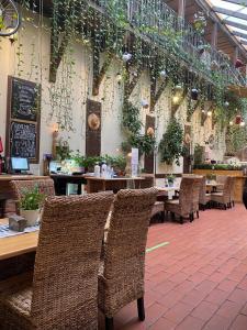 Un restaurant sau alt loc unde se poate mânca la Pensiunea Gasthaus Alte Post