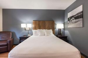 Extended Stay America Suites - Miami - Airport - Doralにあるベッド