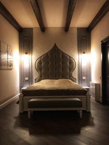 Cama ou camas em um quarto em Big Castle Apartment