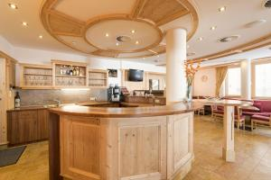 A kitchen or kitchenette at Hotel Abendrot by Alpeffect Hotels