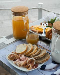 Breakfast options available to guests at Hotel Il Perseo