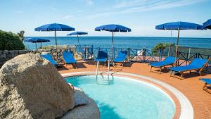 The swimming pool at or near Hotel Il Perseo