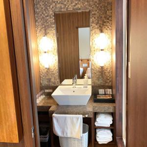 A bathroom at HOTEL RELIEF Sapporo Susukino
