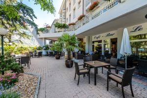 Restaurant ou autre lieu de restauration dans l'établissement Hotel Farinet