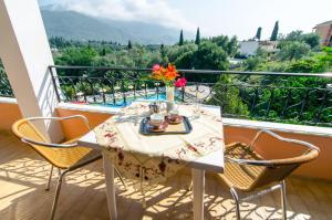 Een balkon of terras bij Margarita Aparthotel