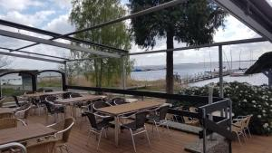 A restaurant or other place to eat at Seehotel Mardorf