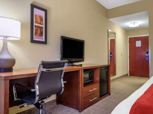 A television and/or entertainment center at Comfort Inn Duncansville – Altoona