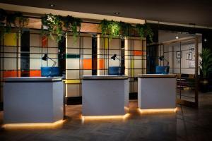 The lobby or reception area at Leonardo Royal London City - Tower Hill