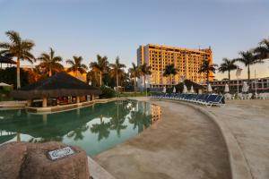 The swimming pool at or near Mabu Thermas Grand Resort