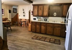 A kitchen or kitchenette at Antlers at Cedar Creek