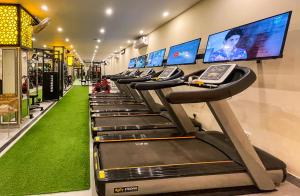 The fitness center and/or fitness facilities at Rose Palace Hotel, Gulberg