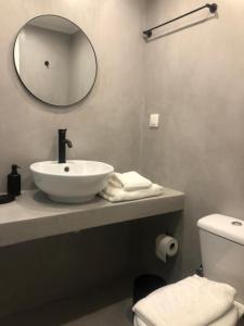 A bathroom at Exarcheia House