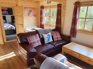 A seating area at Kingfisher Cabin