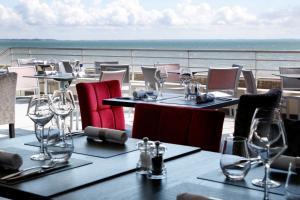 Restaurant ou autre lieu de restauration dans l'établissement Hôtel De La Plage