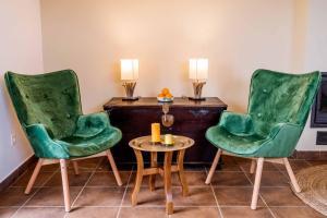 A seating area at O Viso Ecovillage - Aldea Ecologica y Vegana