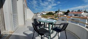 A balcony or terrace at Carvoeiro Beach and Pool