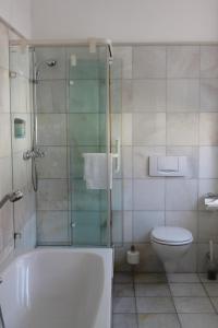 A bathroom at Palais Schrottenberg