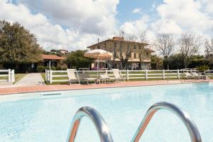 The swimming pool at or near Agriturismo Podere L'Agave