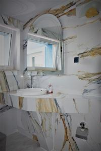 A bathroom at Villa Asesor