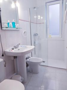 A bathroom at Carabela La Pinta