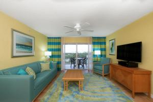 A seating area at Holiday Inn Club Vacations Cape Canaveral Beach Resort, an IHG Hotel