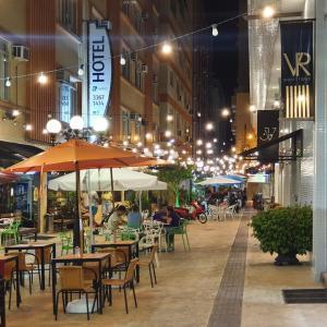 Um restaurante ou outro lugar para comer em Hotel Gumz