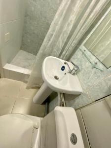 Ванная комната в Apartment on ulitsa Gagarina