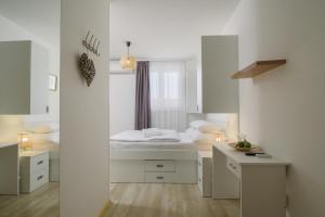 A bathroom at Vila White