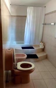 A bathroom at CASA 19