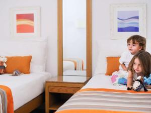 Children staying at Mövenpick Resort & Spa Tala Bay Aqaba