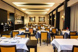 A restaurant or other place to eat at Luna Arcos Hotel Nature & Wellness