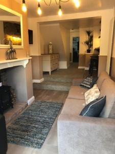 The lobby or reception area at Kingfisher Riverside Cottage