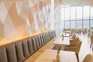 A restaurant or other place to eat at Hilton San Jose La Sabana