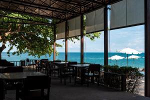 Ein Restaurant oder anderes Speiselokal in der Unterkunft The Hive Hotel - SHA Plus
