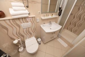 A bathroom at Deluxe Collection Hotel Kastel