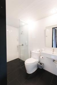 A bathroom at iWualai Hotel