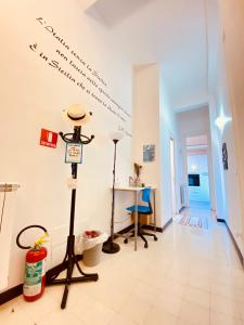 The fitness centre and/or fitness facilities at Liolà B&B
