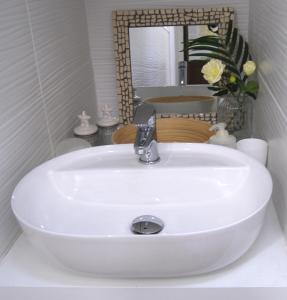 A bathroom at Tourist House Bologna