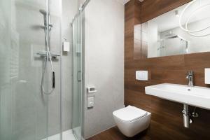 A bathroom at Hotel Wisła Premium