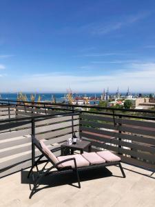 Ein Balkon oder eine Terrasse in der Unterkunft Continental Hotel