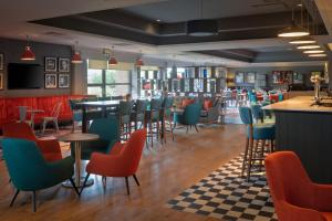 A restaurant or other place to eat at DoubleTree by Hilton Edinburgh Airport